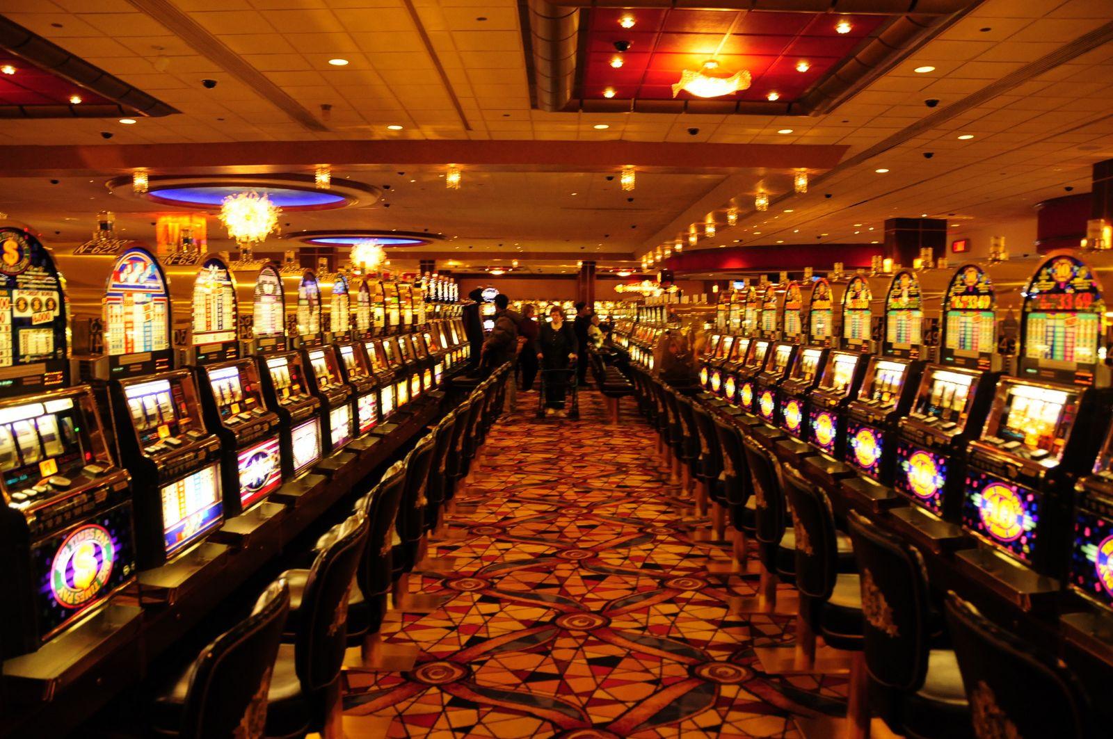 официальный сайт игровые автоматы азино